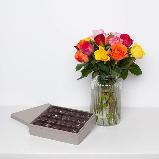 ارسال هدیه به آلمان - ارسال گل به آلمان-تبریک- ولنتاین- سبد شکلات- پکیج شکلات -رز -رزهای رنگی-ماکارون