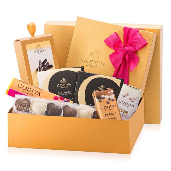 جعبه هدیه طلایی- ارسال هدیه به اسپانیا