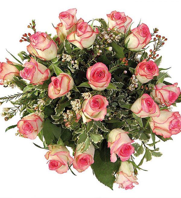 ارسال هدیه به ایتالیا- ارسال گل به ایتالیا-تبریک- ولنتاین- سبد شکلات- پکیج شکلات -رز -رزهای رنگی- تبریک تولد-رزصورتی- رز دو رنگ