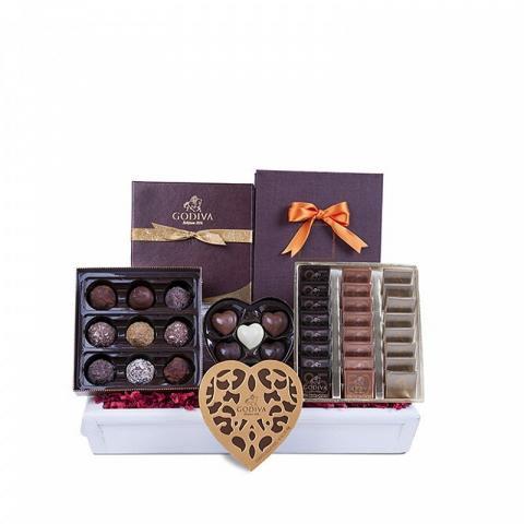 ارسال هدیه به ایتالیا- ارسال گل به ایتالیا-تبریک- ولنتاین- سبد شکلات- پکیج شکلات - شکلات گدیوا- شکلات دست ساز - ترافل