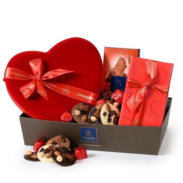 رسال هدیه به اتریش - ارسال گل به اتریش-تبریک- ولنتاین- ارسال کیک به اتریش- تبریک تولد- شکلاتهای بلژیکی لئونیداس