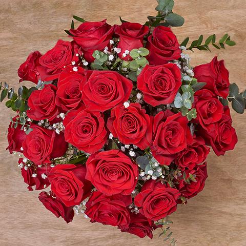 ارسال هدیه به اتریش - ارسال گل به اتریش-تبریک- ولنتاین- ارسال کیک به اتریش- تبریک تولد- دسته گل رز قرمز مخملی
