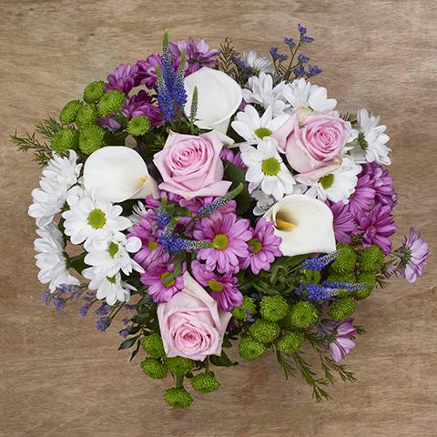 ارسال هدیه به اتریش - ارسال گل به اتریش-تبریک- تبریک تولد - عرض تسلیت - رز صورتی - دسته گل ورونیکا