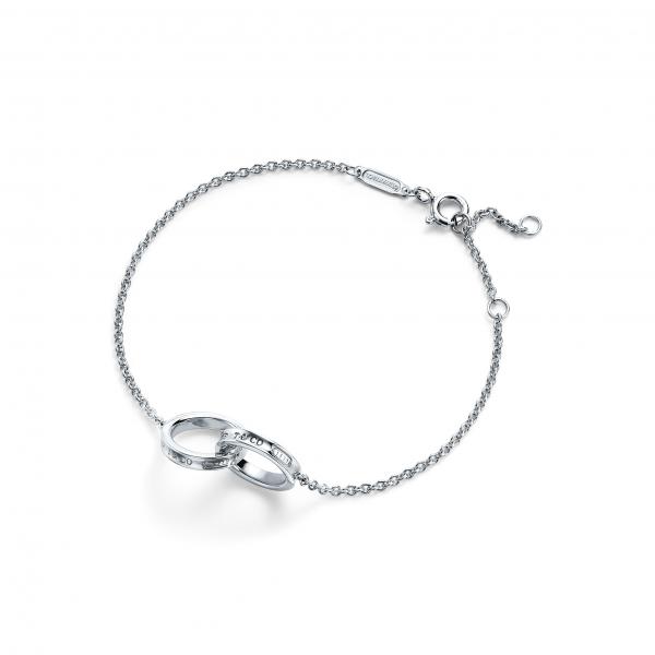 ارسال هدیه به کانادا - ارسال به کانادا-تبریک- ولنتاین-دستبند –تیفانی