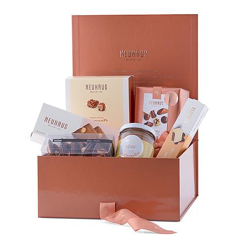 ارسال هدیه به هلند - ارسال شکلات به هلند-تبریک- ولنتاین- جعبه شکلات - شکلات