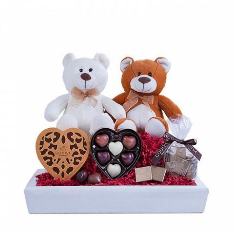 ارسال هدیه به ایتالیا - ارسال گل به ایتالیا-تبریک- ولنتاین- ارسال کیک به ایتالیا - تبریک تولد- شکلات گودیوا-