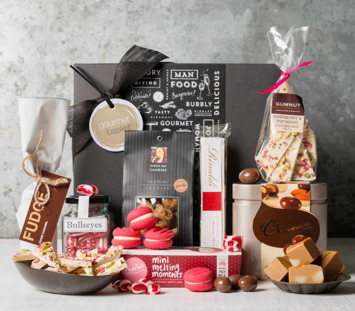 ارسال هدیه به استرالیا - ارسال گل به سترالیا-ولنتاین- ارسال کیک به استرالیا- تبریک تولد- ارسال شیرینی -جعبه شیرینی و شکلات