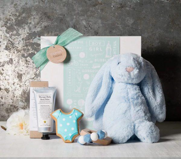ارسال هدیه به استرالیا - ارسال گل به استرالیا-تبریک نوزاد- تبریک تولد - ست نوزاد-