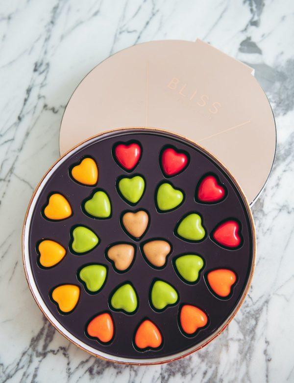 ارسال هدیه به دبی – شکلات – عشق – ولنتاین – تشکر و قدردانی – روز زن – روز مرد – تبریک- شکلات – ارسال شکلات به امارات